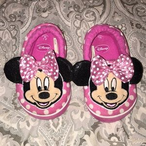 Disney's Minnie Mouse slippers, size 7/8